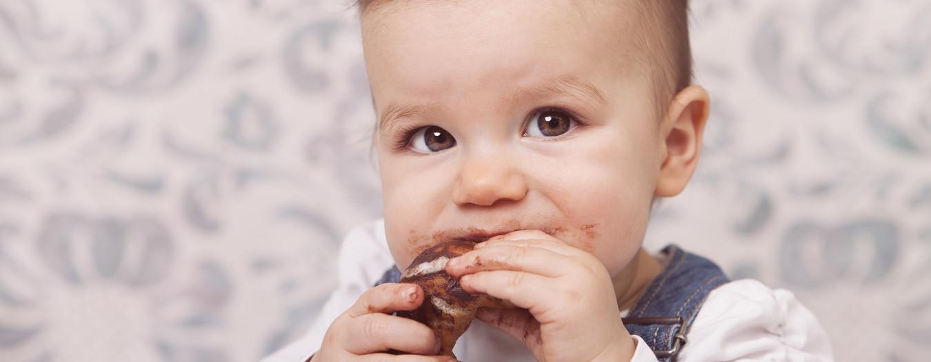 Baby + Kuchen = ganz viel Spaß!